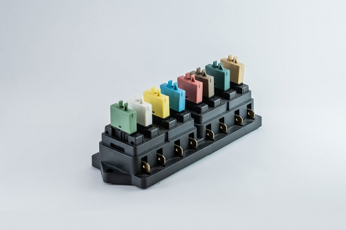 102 Series auto reset circuit breakers
